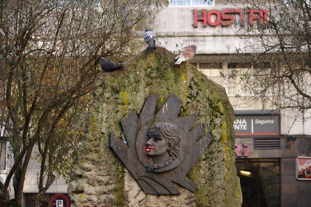 Monumento a Rosalía