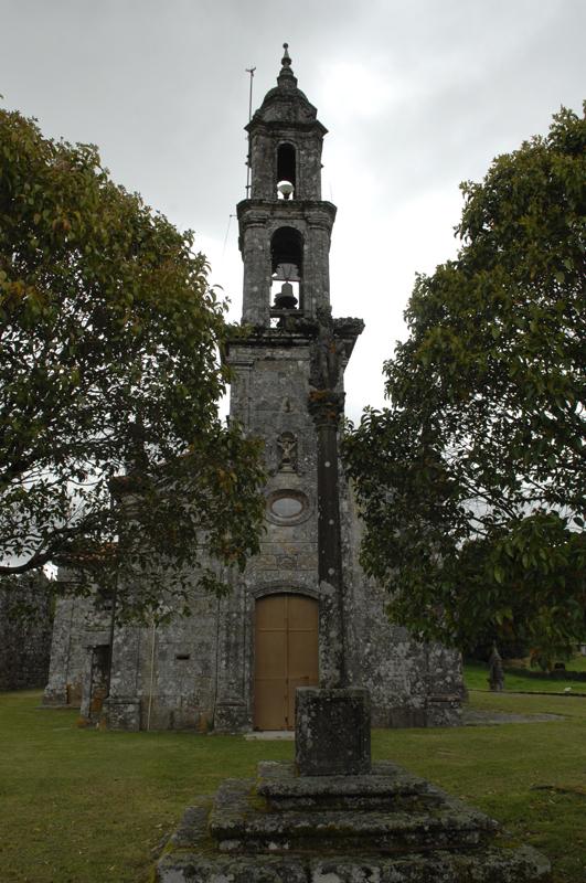 Fachada da igrexa de Valongo