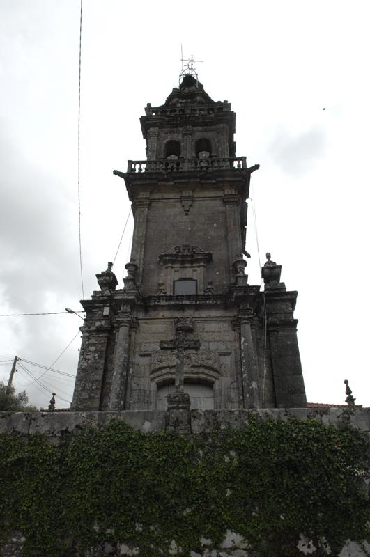 Fachada da igrexa de Augasantas