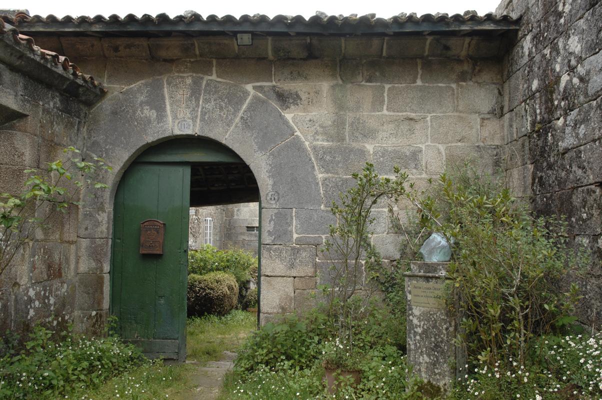 Porta do pazo dos Losada-Diéguez