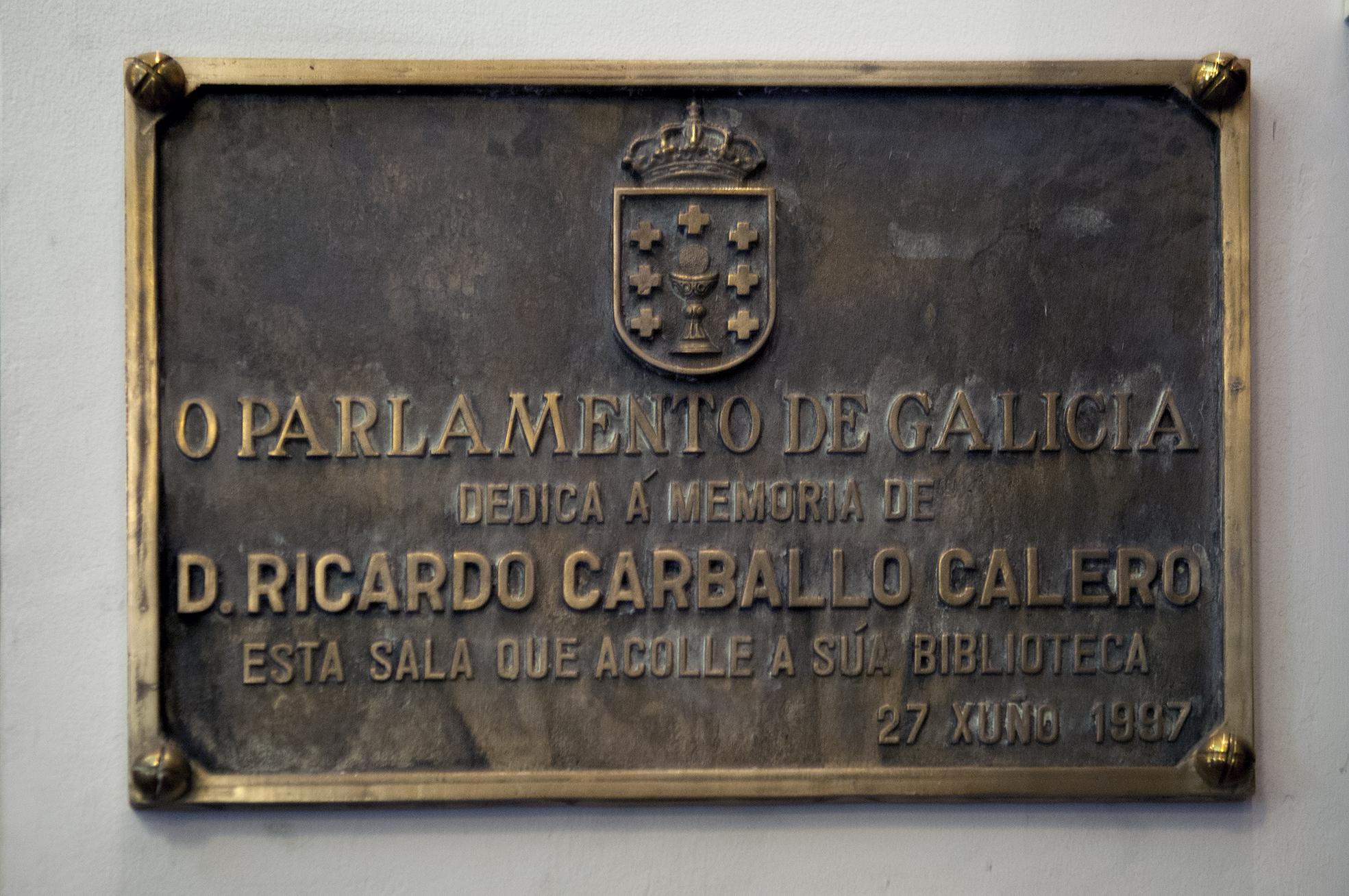 Placa homenaxe a Ricardo Carballo Calero