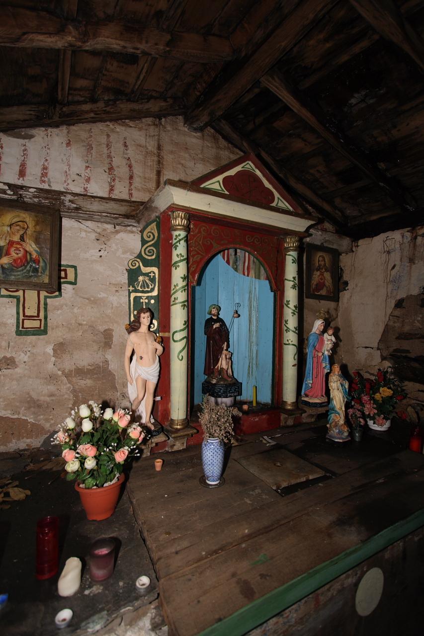 Interior da ermida de San Roque