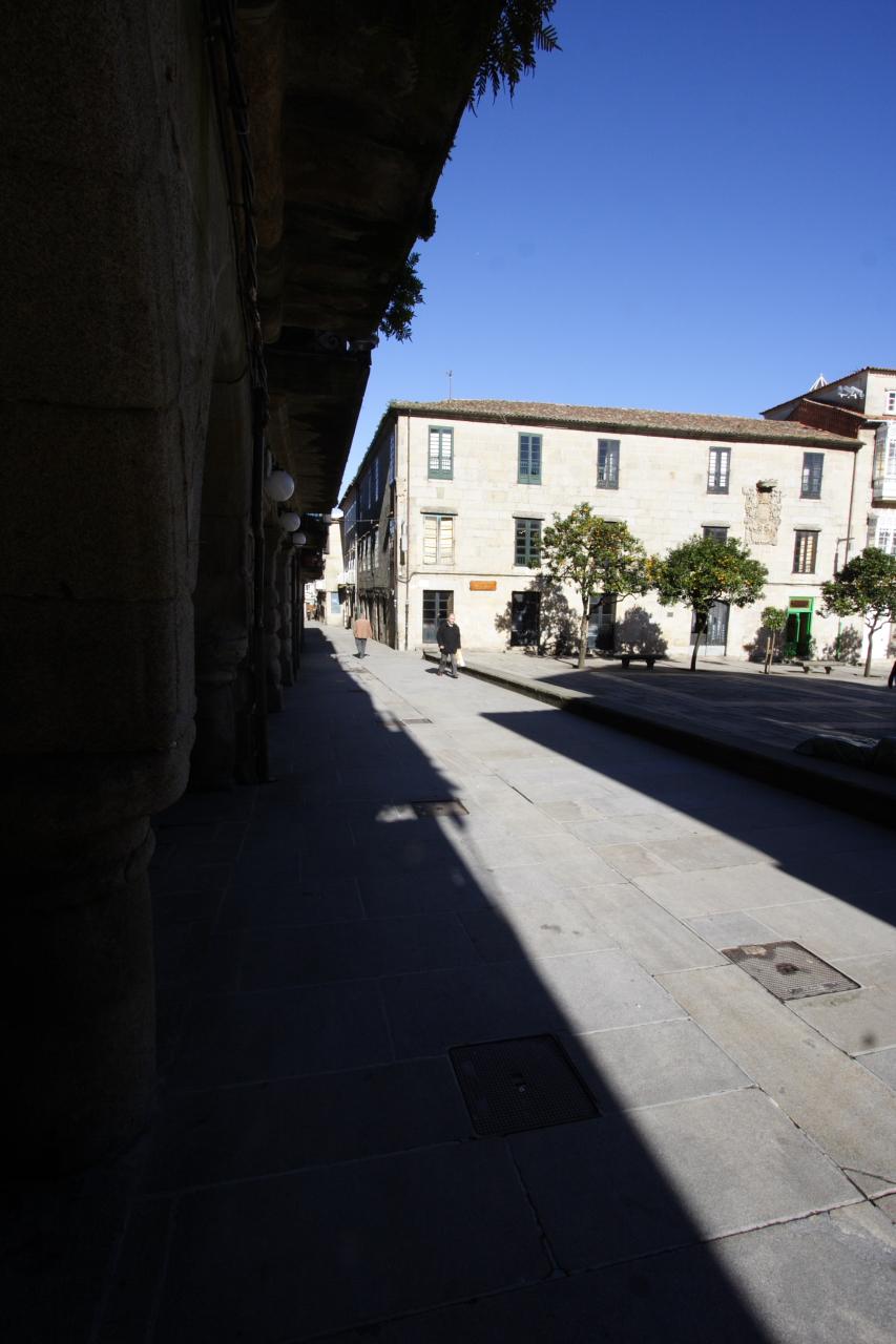 Rúa Princesa e praza do Teucro co Obradoiro de C. Peón