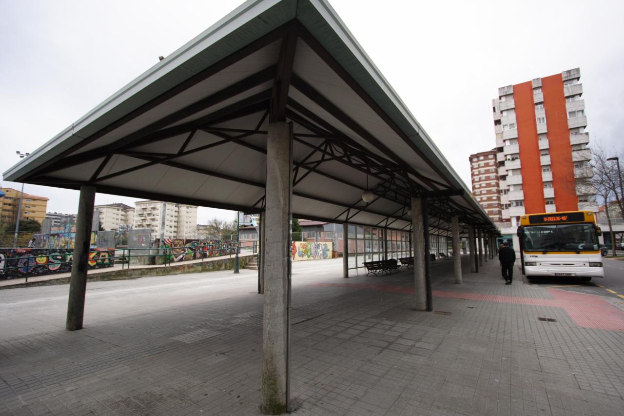 Vista xeral da actual parada de autobuses a Marín