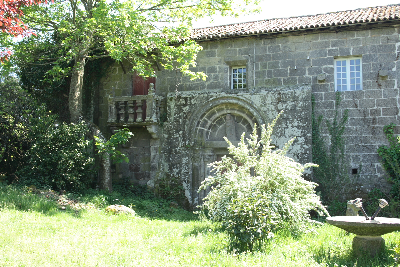 Fachada lateral do priorado