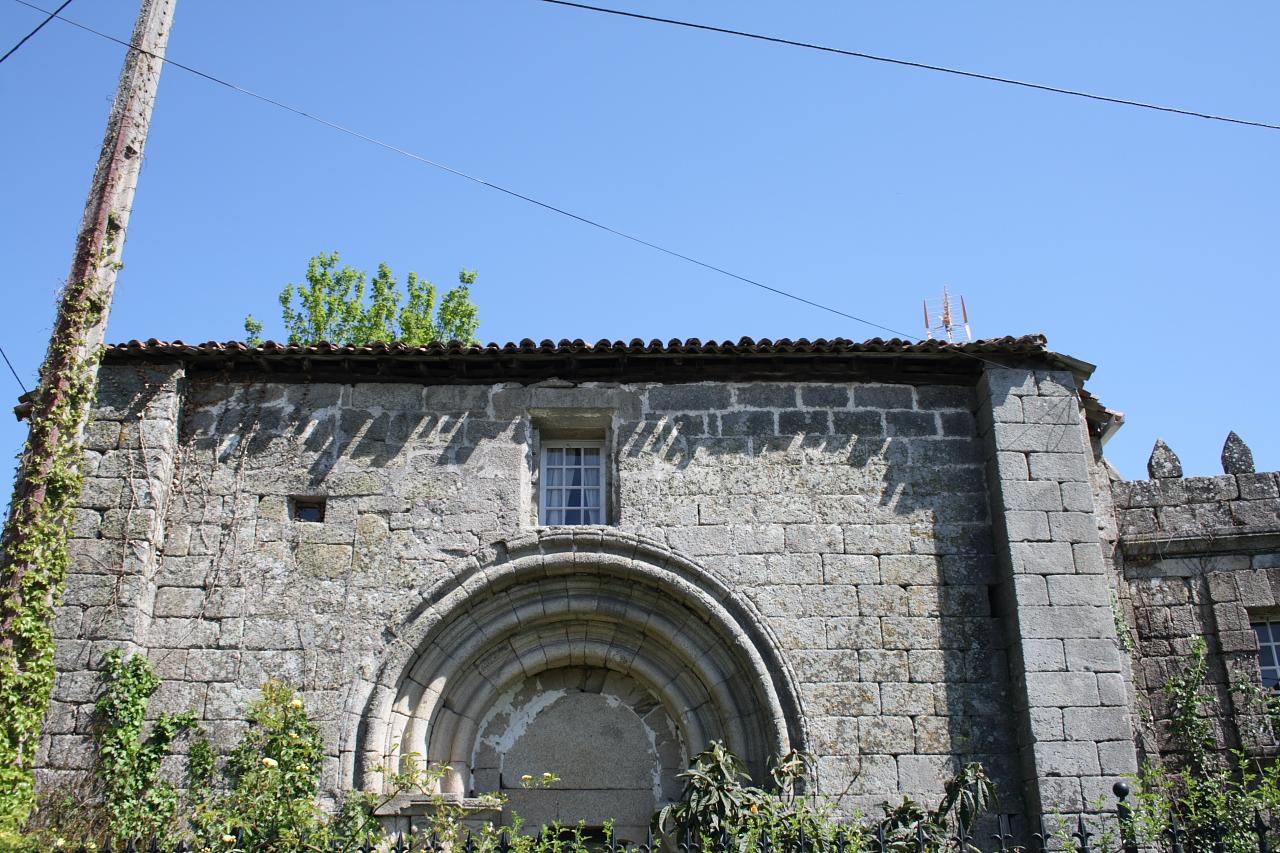 Arco de entrada ao priorado
