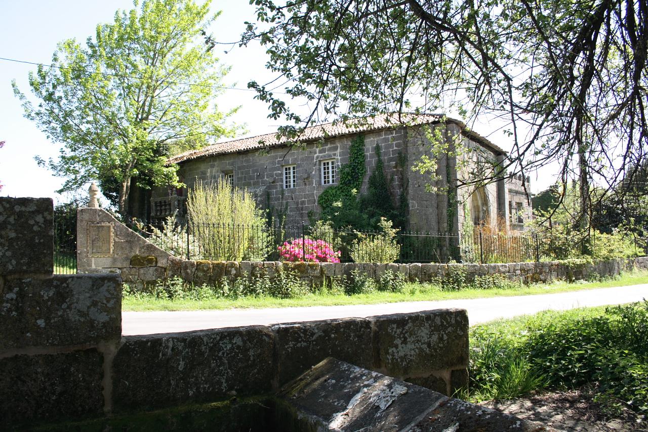Antigo priorado de Bóveda