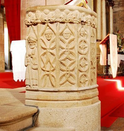 Púlpito da igrexa de Santiago Apóstolo