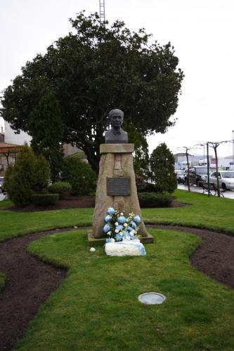 8 Monumento a Castelao