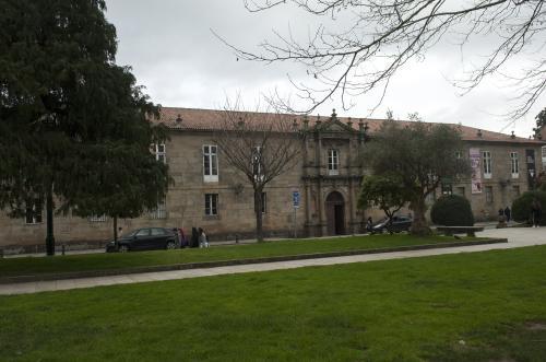 10 Santiago: Seminario de Estudos Galegos