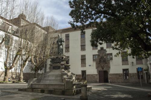 15 Santiago: Facultade de Filosofía