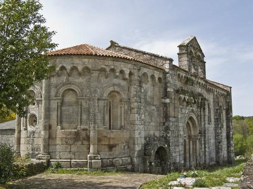 3 Mosteiro de San Pedro de Vilanova de Dozón (Dozón)