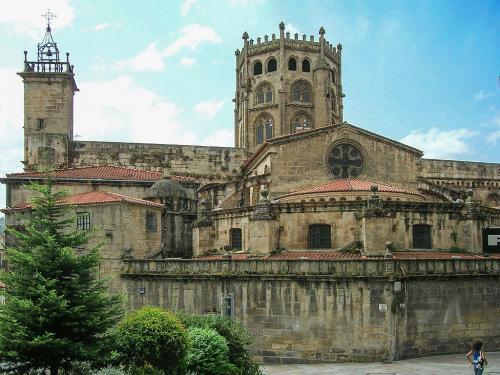 4 Catedral de Ourense (Ourense)
