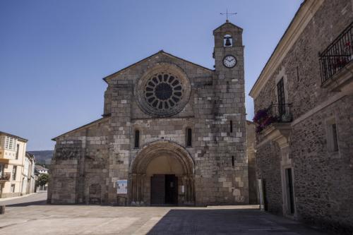 3 Mosteiro de Santa María (Meira)