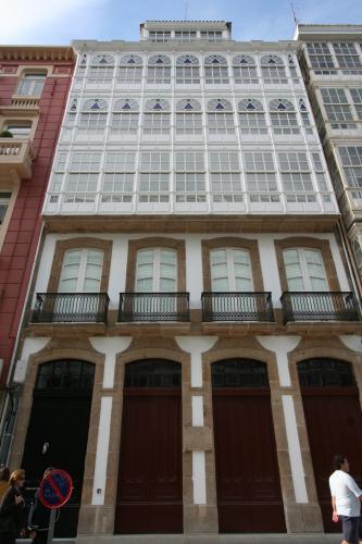 27 Hotel <i>La Luguesa</i>