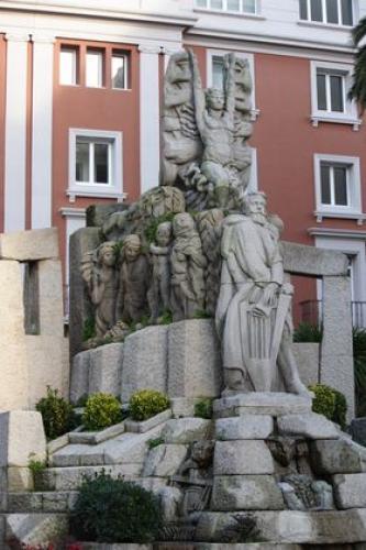 Monumento en Méndez Núñez